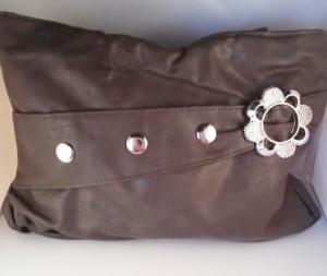 Brown flower purse $8.00