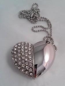 White crystal heart shape USB Flash Drive $20.00