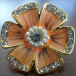 Gold flower ring with pearls $9.00