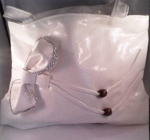 White side bow purse $8.00
